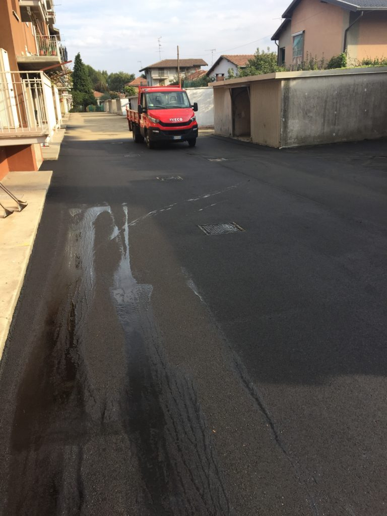 asfaltatura in corso
