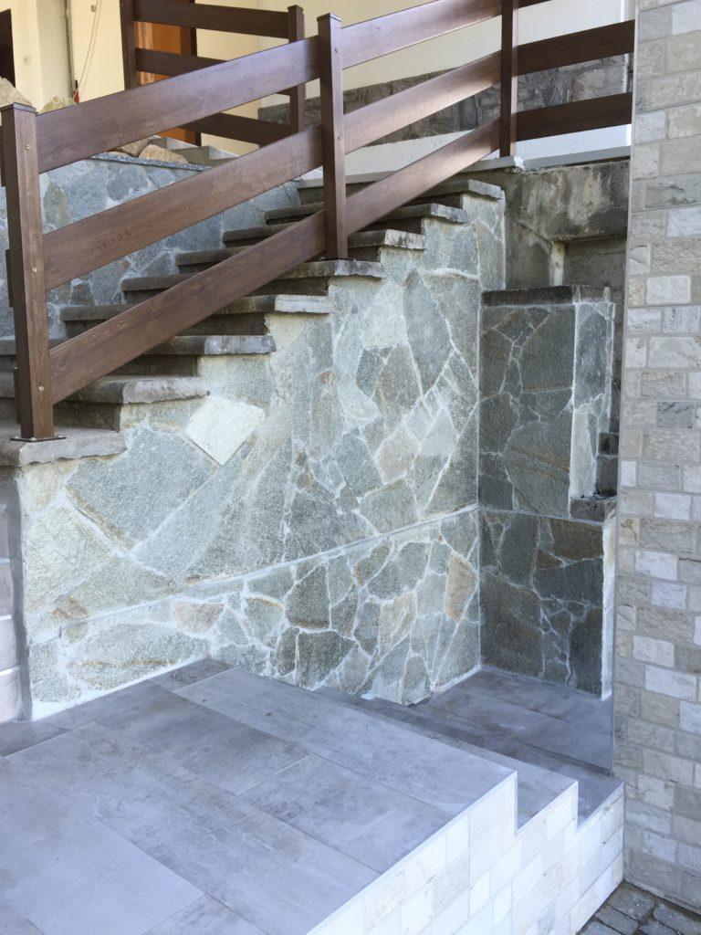 dettaglio rivestimento scale