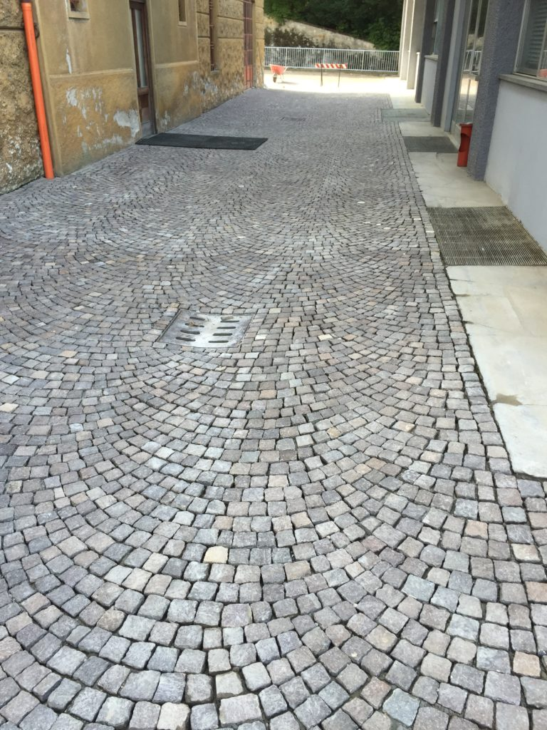 pavimentazione cubetti di porfido